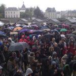 A laval, près de 800 personnes pour dire le 7 mai votons Liberté, Egalité, Fraternité!