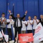 Premier tour : dernier meeting de François Hollande à Carmaux, la ville de Jean Jaurès ; Riahoui Chanfi est sur la tribune avec les militants MJS de Haute-Garonne